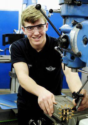 Sinh viên du học nghề tại Ba Lan có thể đi làm thêm