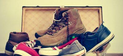 """Không nên mua giày dép, túi xách trước ở Việt Nam mang qua vì nó không '""""kinh tế"""""""