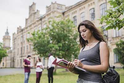 Sinh viên du học ngành Thiết kế thời trang tại Đức sẽ được tiếp cận với nhiều kỹ năng