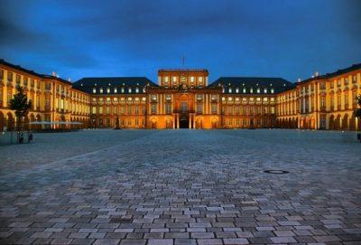 Việc lựa chọn trường Đại học tại Đức còn phụ thuộc vào nhiều yếu tố