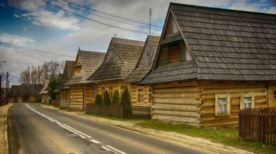 Một ngôi làng ở Ba Lan mang vẻ đẹp cổ kính