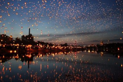Tại Ba Lan có lễ hội thả đèn lồng mỗi năm thu hút lượng khách du lịch đông đảo