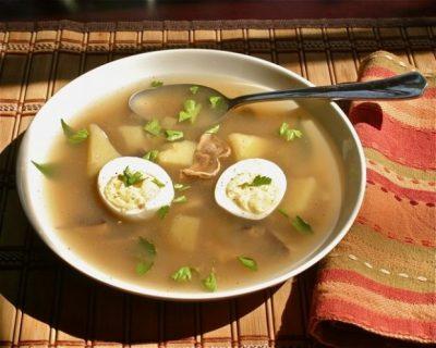 Món súp Zurek nổi tiếng của người Ba Lan