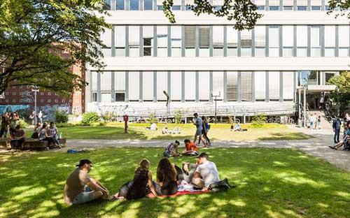 Đại học RWTH Aachen (trường Đại học công nghệ lớn nhất ở Đức).