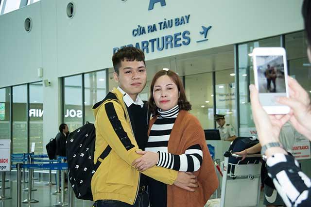 Phạm Thành Duy cùng mẹ