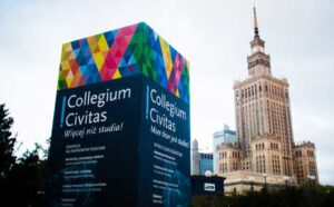 Đại học Collegium Civitas ngoài công lập lớn nhất Ba Lan