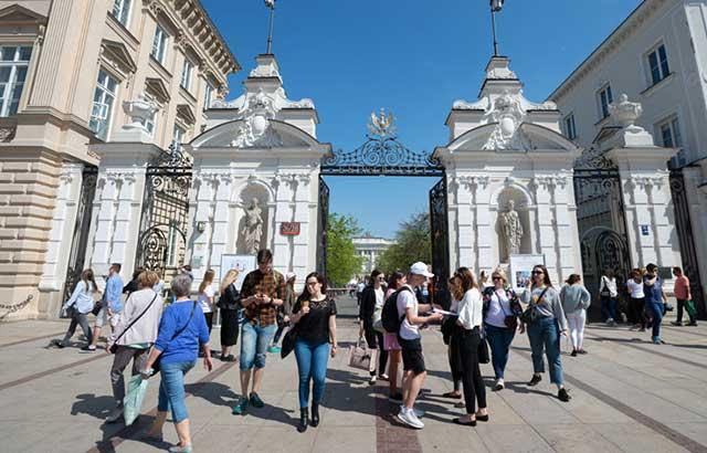 Trường đại học Warsaw ở Ba Lan