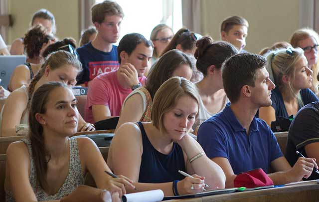 Sinh viên đi du học tại Đức cần chuẩn bị chi phí sinh hoạt