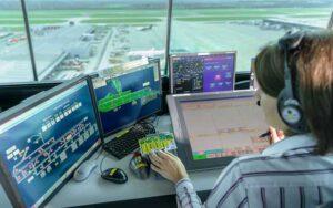 Kiểm soát không lưu là một ngành cần có sự tập trung cao và có rất nhiều áp lực, đòi hỏi phải có được tính tỉ mỉ và khả năng kiểm soát và điều hành