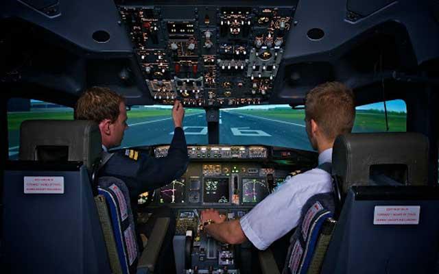 Tại Ba Lan chỉ cần vượt qua được các bài thi trong khóa học và đủ điều kiện sức khỏe là đã có thể trở thành phi công