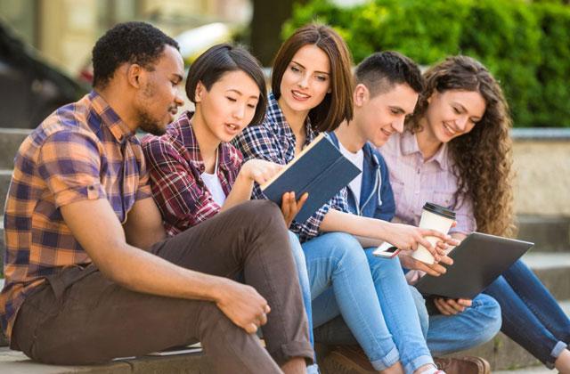 Chương trình giảng dạy của trường Đại học đạt chuẩn về chất lượng