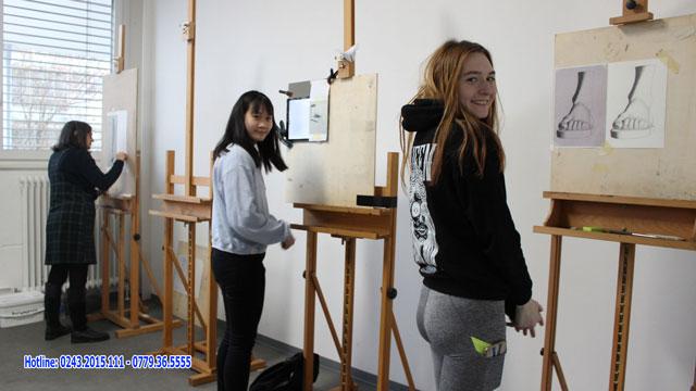 Một tiết học vẽ tại trường Trường Đại học University of Fine Arts of Hamburg