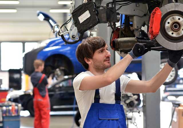 Có thể đi làm thêm trong thời gian du học nghề kỹ thuật ô tô tại Đức