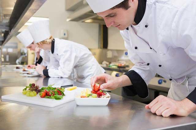 Nghề đầu bếp tại Ba Lan luôn được đào tạo bài bảna
