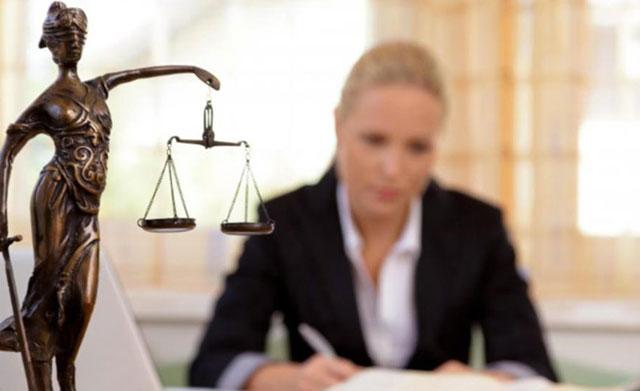 Tại sao các trường đã thu hút được lượng lớn sinh viên đến Ba Lan học ngành luật?
