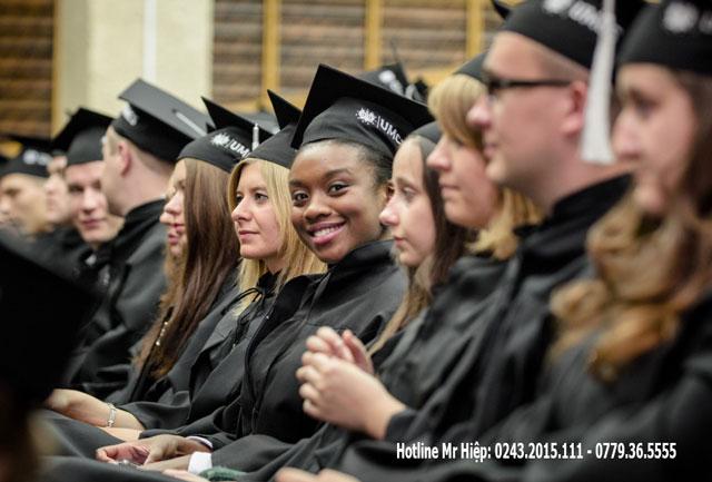 Chính phủ Ba Lan luôn quan tâm đến việc học nên đã đưa ra rất nhiều chính sách ưu đãi hỗ trợ cho các bạn du học sinh đến từ các quốc gia trên thế giới