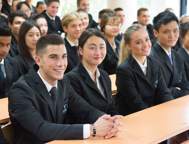 Du học sinh được học và tốt nghiệp từ các trường tại Ba Lan nổi tiếng thế giới và được cấp chứng chỉ có giá trị hàng đầu.