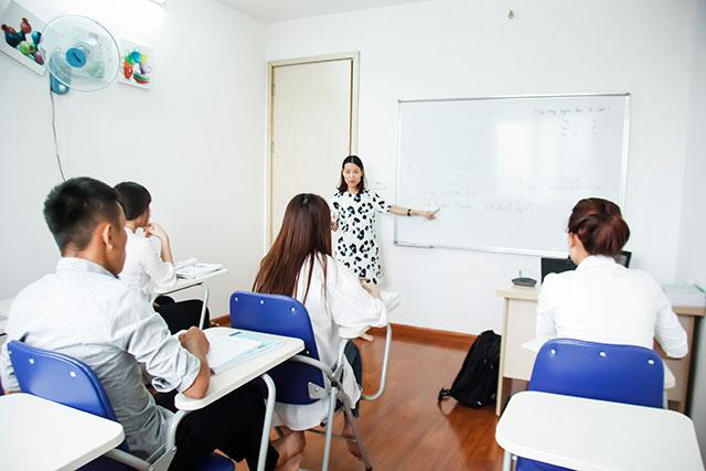 lớp học tiếng Đức cho du học nghê Điều dưỡng tại trung tâm tư vấn du học Helifsa