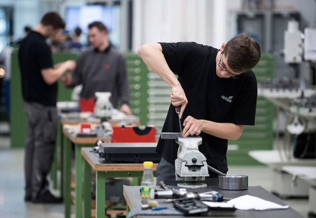 Du học nghề cơ khí tại Đức bạn sẽ được học rất bài bản và chuyên nghiệp