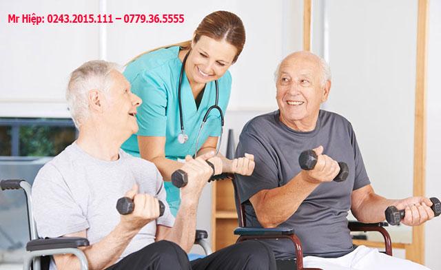Điều dưỡng lão khoa là hỗ trợ giúp đỡ những người già
