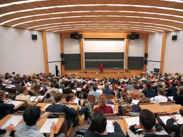 Trường Đại học tại Đức luôn giảng dạy lý thuyết song song với thực hành