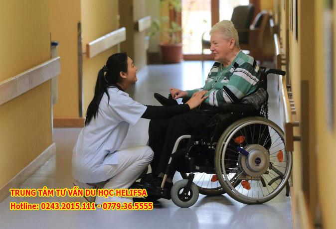 Du học nghề điều dưỡng lão khoa tại Đức đang thu hút nhiều học sinh